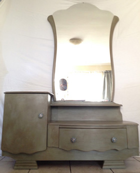 Wooden dressing table with glass knobs